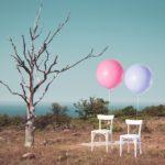風船、椅子